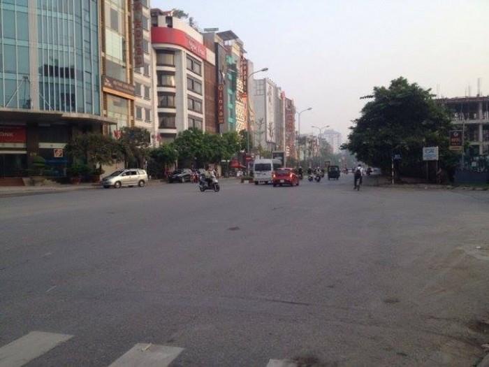 Bán nhà mặt phố Trần Thái Tông, DT 40m2x 5 tầng. MT 4.5m