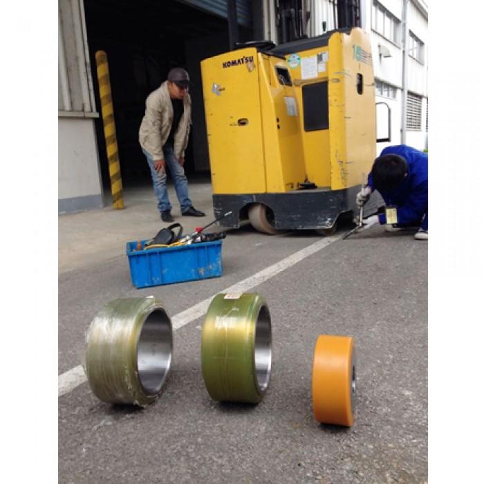 Đội ngũ kỹ thuật chuyên sửa xe nâng 24/24