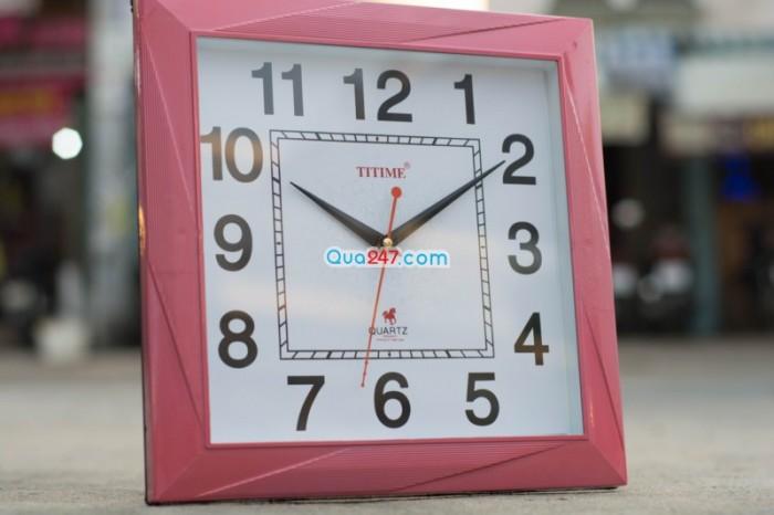 Đồng hồ treo tường 09 hình vuông in logo công ty sll giá cạnh tranh trên thị trường