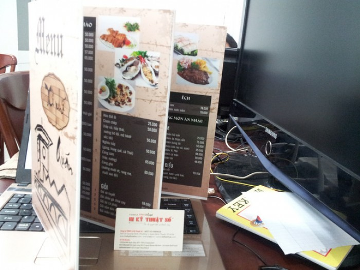 In menu cho quán ốc tại TPHCM | | Loại hình in: PP cán format