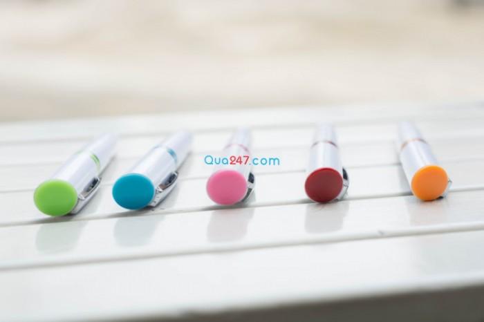 Bút bi 03 in logo công ty quà tặng quảng cáo ngân sách thấp