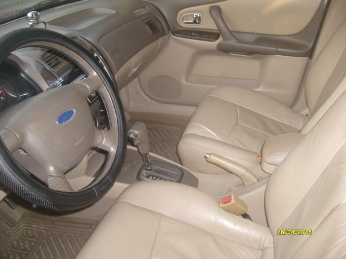 Ford Laser At -203 xe cọp 2