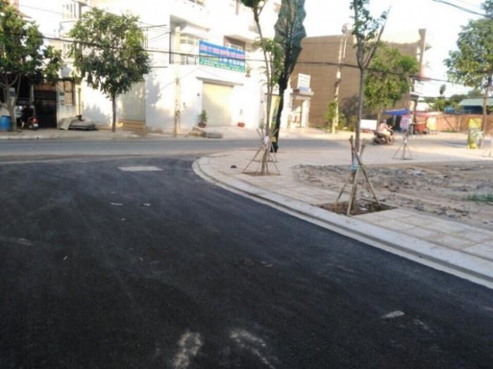 Đất mặt tiền Nguyễn Xiển, giá 810tr/nền