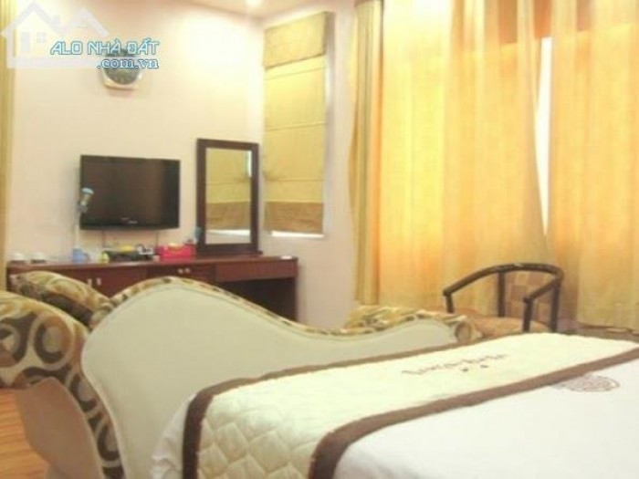 Cho thuê khách sạn Hưng Phước 3 13pn 3800USD