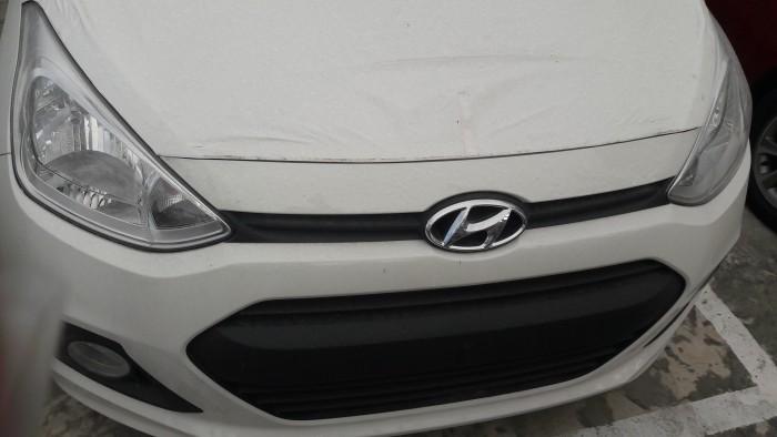 Thanh lý gấp Hyundai Grand i10 1.0MT BASE bạc, uu đãi đến 22 triệu đồng và hơn thế nữa, còn 1 chiếc duy nhất