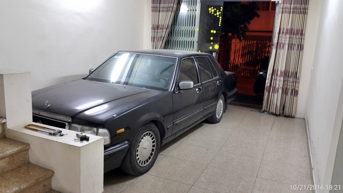 Bán Nissan Cedric VIP sản xuất 1993, màu đen, nhập khẩu nguyên chiếc, giá tốt