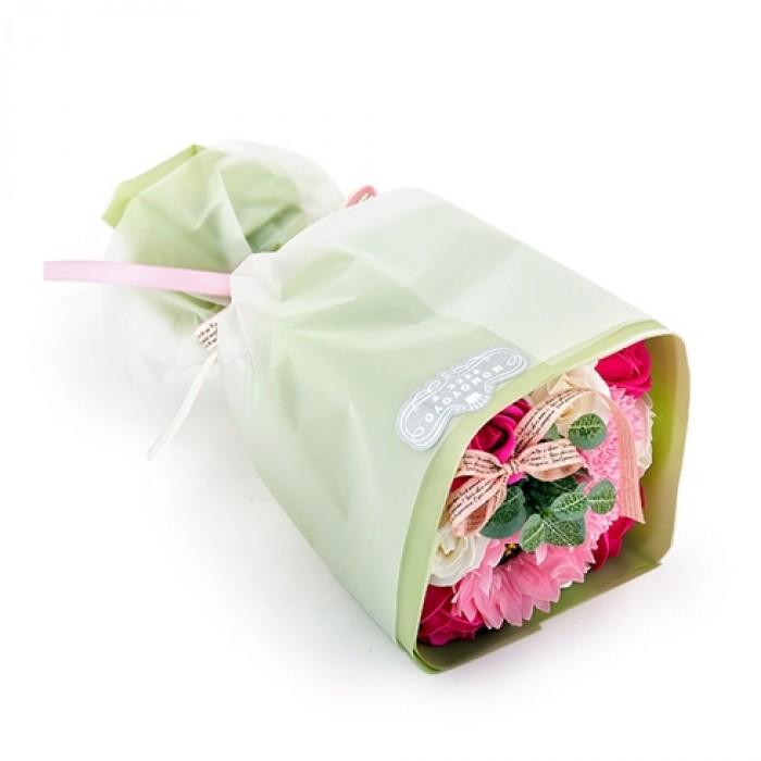 Hoa hồng sáp thơm là sản phẩm được tạo hình đẹp mắt và sống động cùng hương thơm quyến rũ
