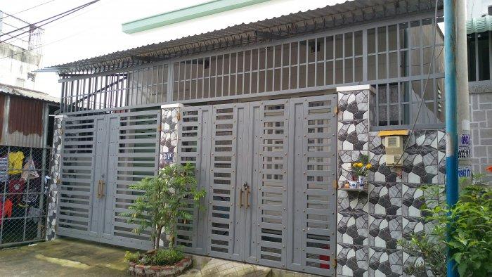 Nhà cấp 4 đúc lửng hẻm xe hơi 2 mặt tiền đường Trịnh Thị Miếng
