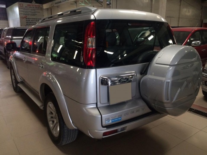 Ford Everest 4x2 MT 2015, màu Bạc