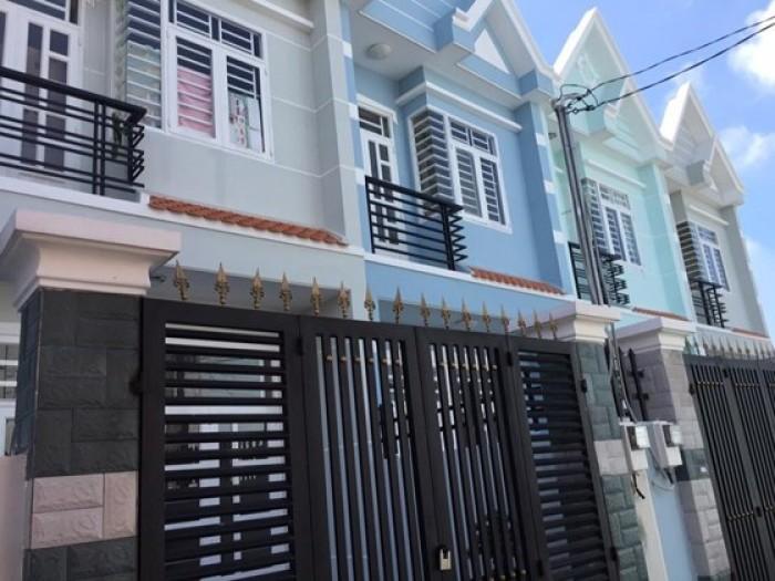 Cả nhà định cư cần bán gấp nhà mới xây ngay cổng KCN Vĩnh Lộc
