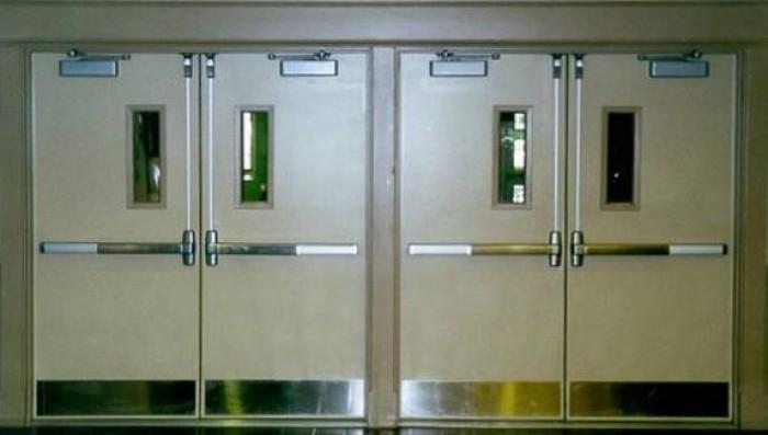 Cửa bao gồm: Cánh + Khung Bao + Phủ Vân Gỗ Hoàn Thiện.  Kích thước tiêu chuẩn: 800 x 2.100mm hoặc 900 x 2.200mm (Hoặc theo kích thước Khách Hàng yêu cầu4
