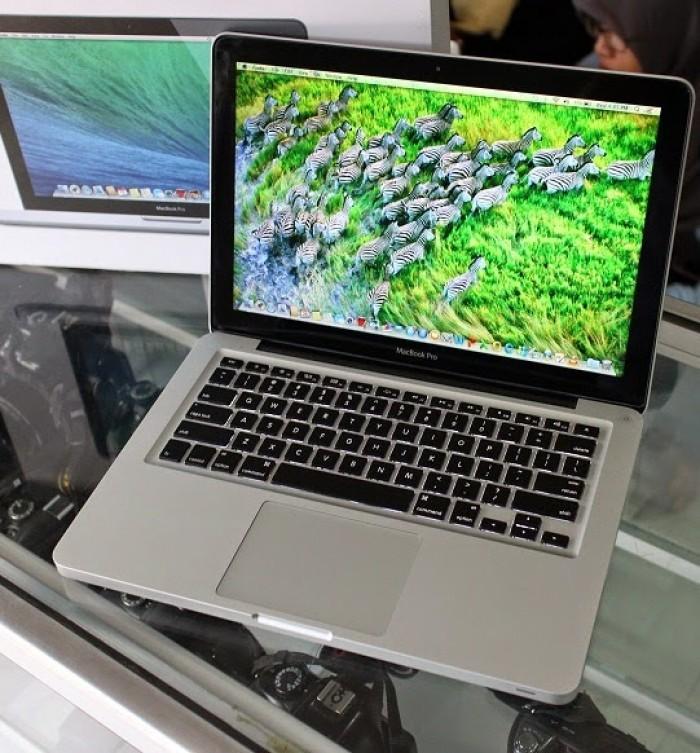 Macbook Pro Rentina 13.3 mgx 82 đẹp như mới
