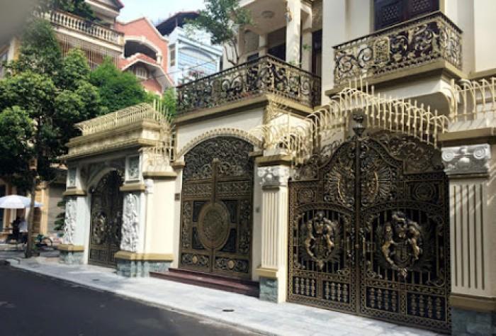 Cho thuê nhà số 68A Phạm Ngọc Thạch,  nhà thiết kế dạng villa rất đẹp , chổ để xe thông thoáng.