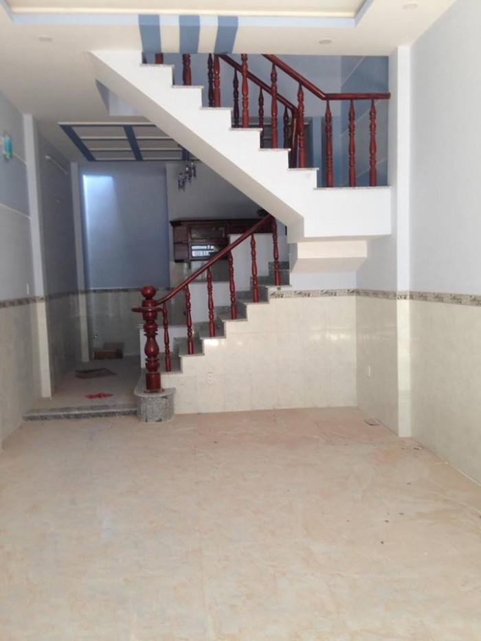 Cần bán gấp nhà mới xây ngay cổng khu công nghiệp Vĩnh Lộc chỉ 760tr/căn