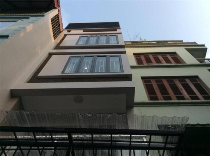 Cho thuê nhà mặt phố đường Hai Bà Trưng, P.Phường 6, Quận 3, DT: 7.2x19m, diện tích: 821m2, 6 lầu, giá: 12.000$