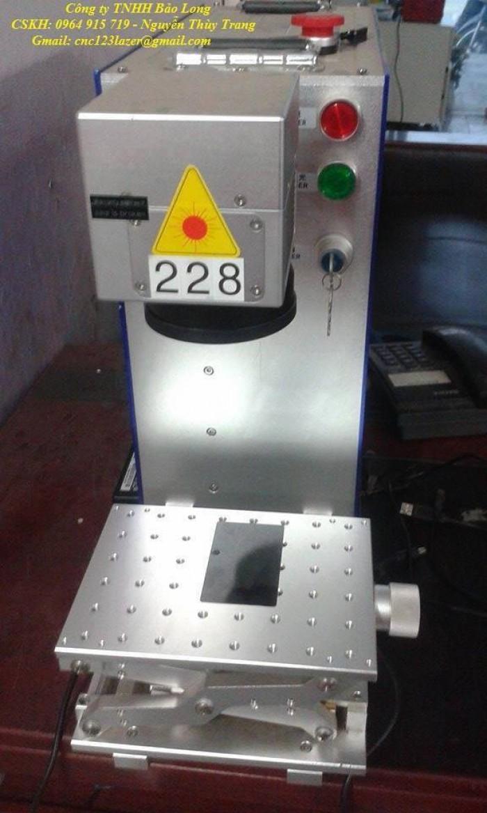 Máy gia công trên bề mặt kim loại laser fiber mini giá rẻ