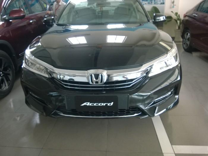Honda accord giá khuyến mãi đến hơn 200 triệu