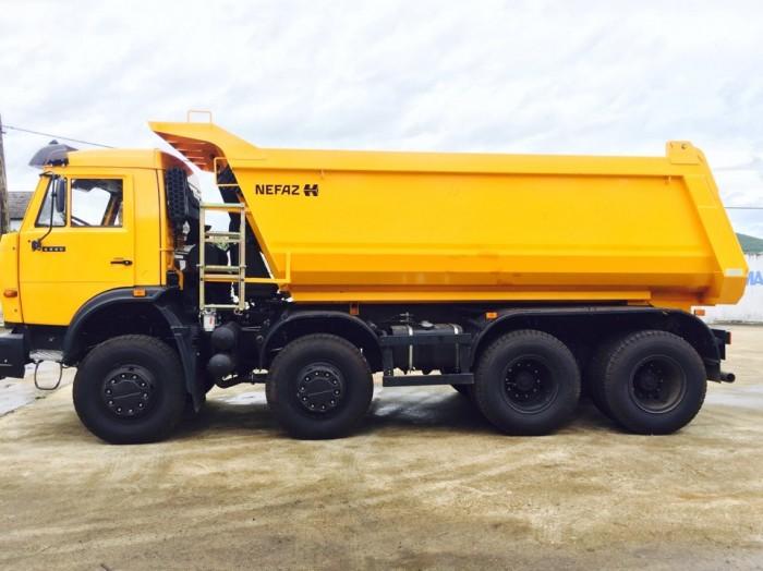 Xe Ben Kamaz 6540 (8x4).  Sản xuất: 2015 - 2016  Hãng sản xuất Kamaz (Nhập khẩu nguyên chiếc từ CHLB Nga)  Tự trọng bản thân: 11.825 kg  Tải trọng cho phép: 17.980 kg (Quá tải 10% = 20.000 kg)