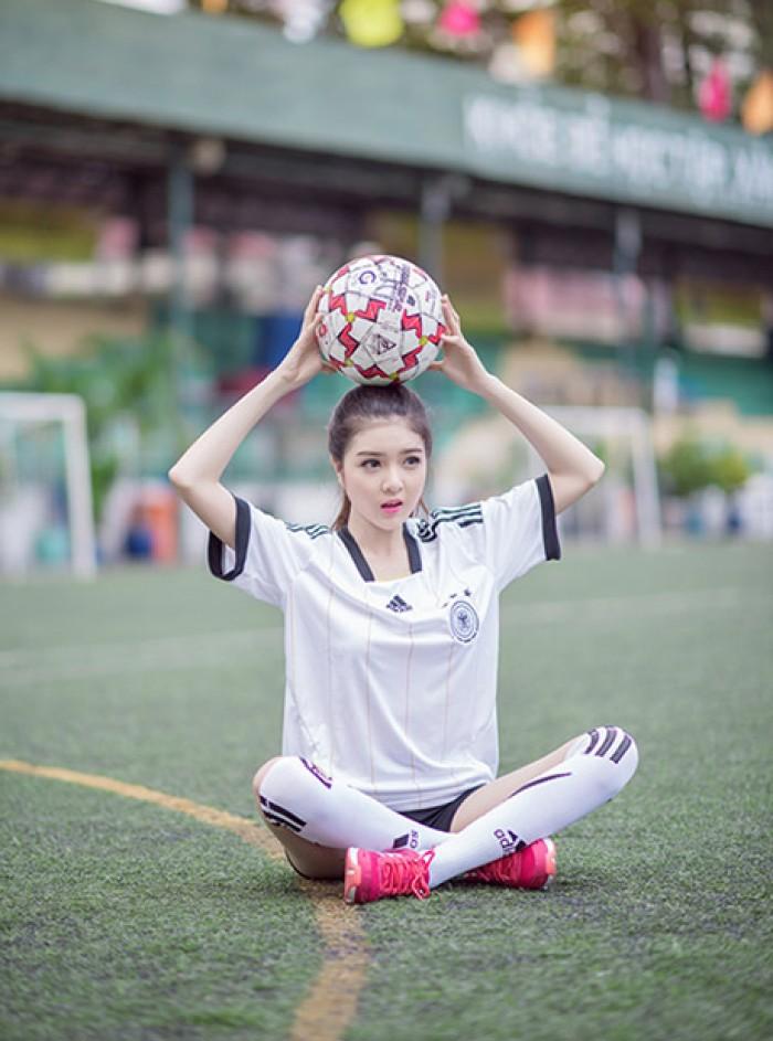 May Lê Thành nhận may gia công, sản xuất Đồng phục bóng đá nam/nữ