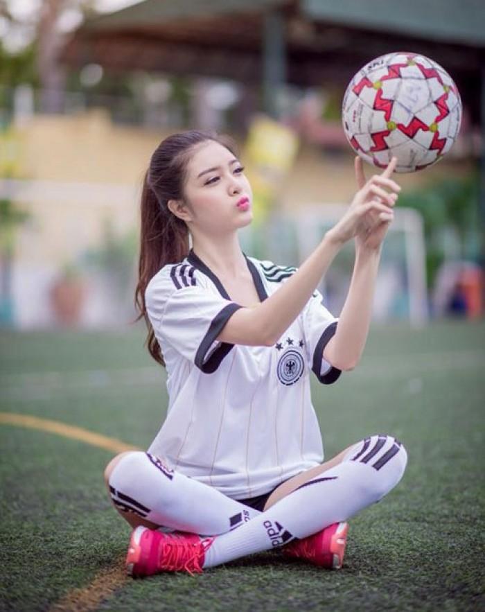May Lê Thành nhận may gia công, sản xuất Đồng phục bóng đá theo các CLB