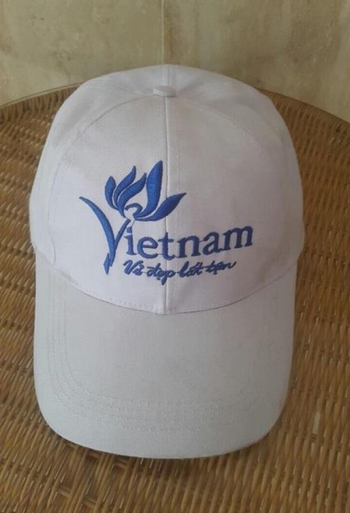 Nón đồng phục Vẻ Đẹp Việt Nam Bất Tận | NÓN VIỆT NAM VẺ ĐẸP BẤT TẬN (TỔNG CỤC DU LỊCH) | Chất liệu: vải kaki | Màu sắc: màu trắng | Kiểu nón: nón màu trắng thêu logo phía trước