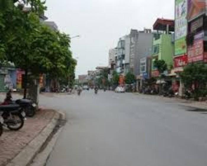 Bán gấp lô đất Phố Ngô Xuân Quảng, 50m2, mt 5m, oto vào đc.