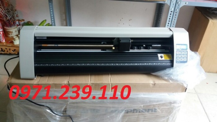 Máy cắt Decal REFINE EH 721