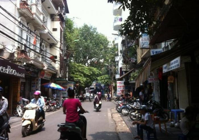 Chính chủ bán nhà mặt phố Đinh Liệt 35m, MT 4.5m, vỉa hè kinh doanh khủng.