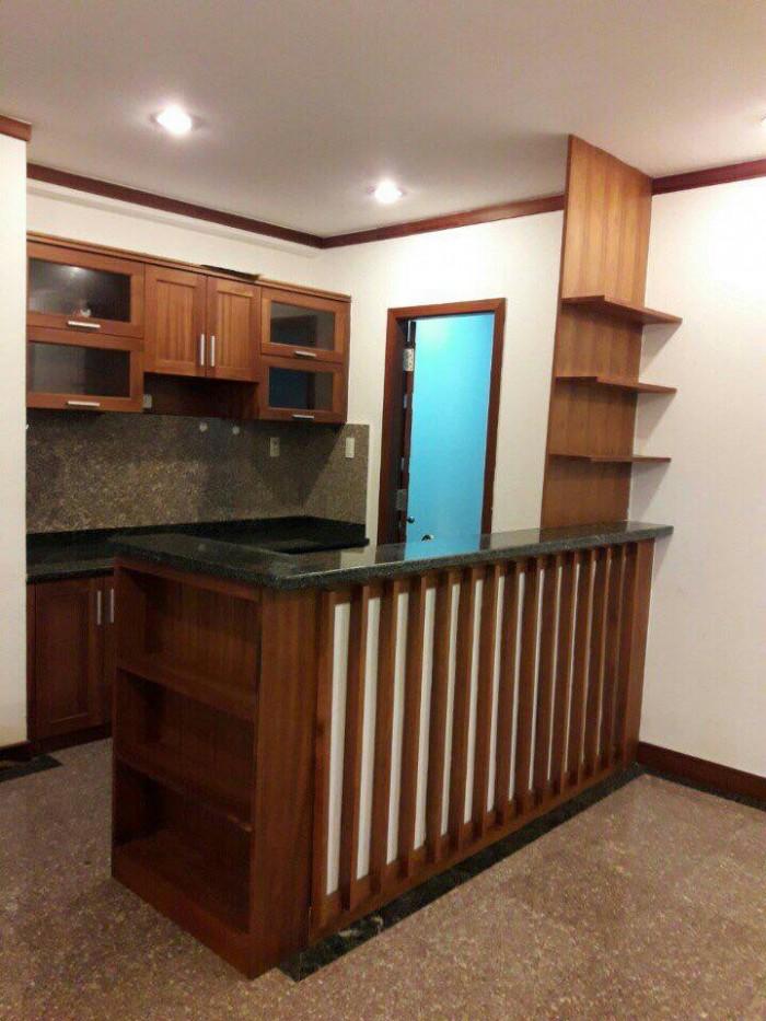 Cho thuê gấp căn hộ Phú Hoàng Anh, 2pn 2toilet view hồ bơi, nhà cực đẹp, chỉ 8.5tr/tháng