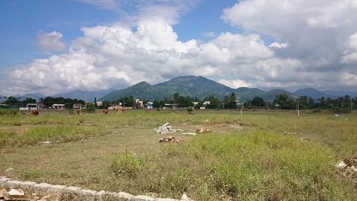 NHANH KẺO HẾT - 3 lô đất Vĩnh Thạnh gần chợ ga 5 triệu/m2 cách trung tâm Nha Trang 3.3km