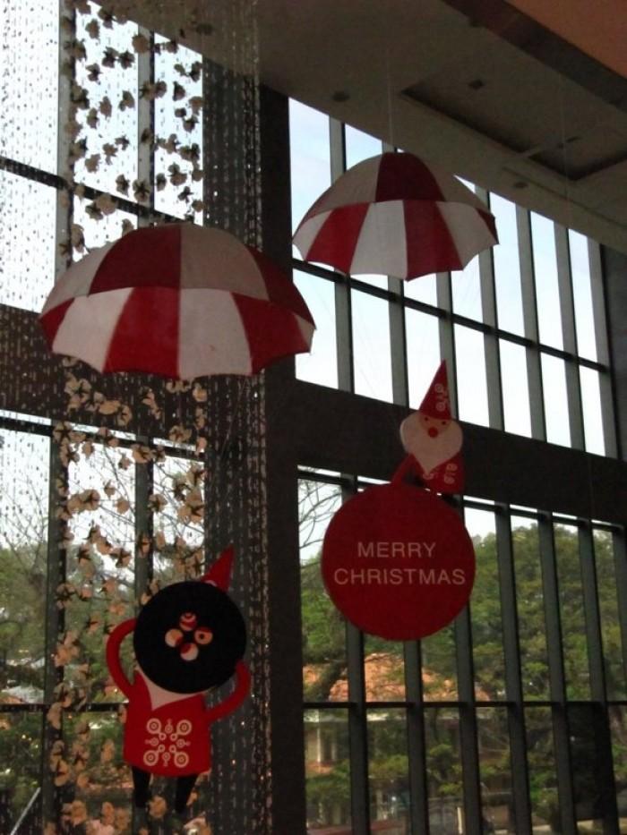 Các mô hình trang trí Giáng Sinh, Noel sáng tạo được Ánh Sao Trẻ tư vấn thiết kế và thi công mới lạ cho các văn phòng, công ty, trung tâm thương mại, shop, cửa hàng, khách sạn, trung tâm tiếng Anh thiếu nhi