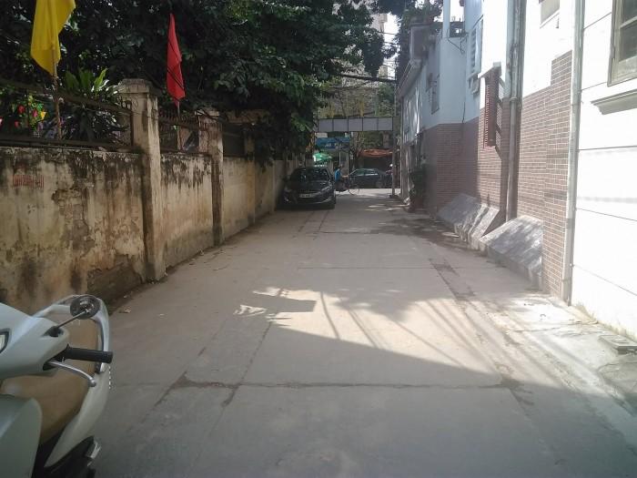 Bán đất mặt ngõ Tam Trinh, Hoàng Mai, 130m2, mt 9m, giá 46 triệu/1m2, ô tô vào nhà, kd sầm uất