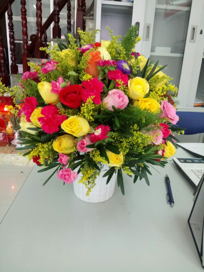 Lớp học cắm hoa nghệ thuật, cấp chứng nhận.