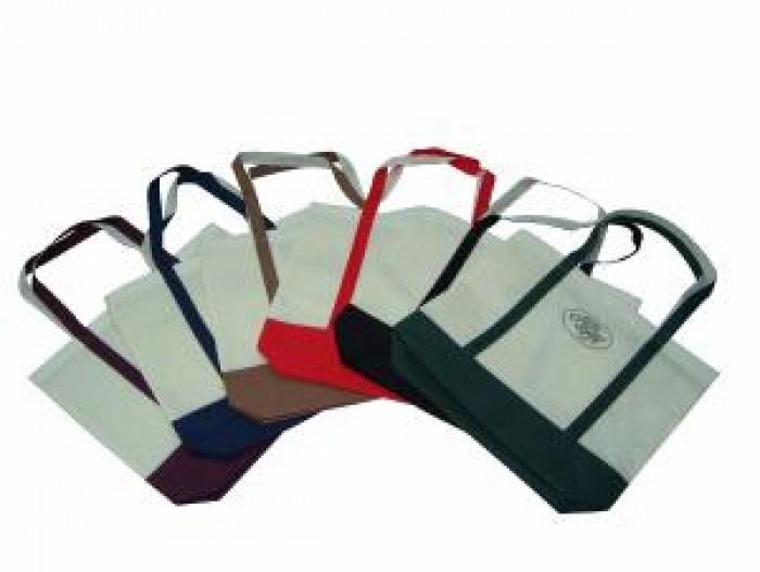 Túi vải không dệt in logo công ty số lượng lớn giá cạnh tranh nhất thị trường