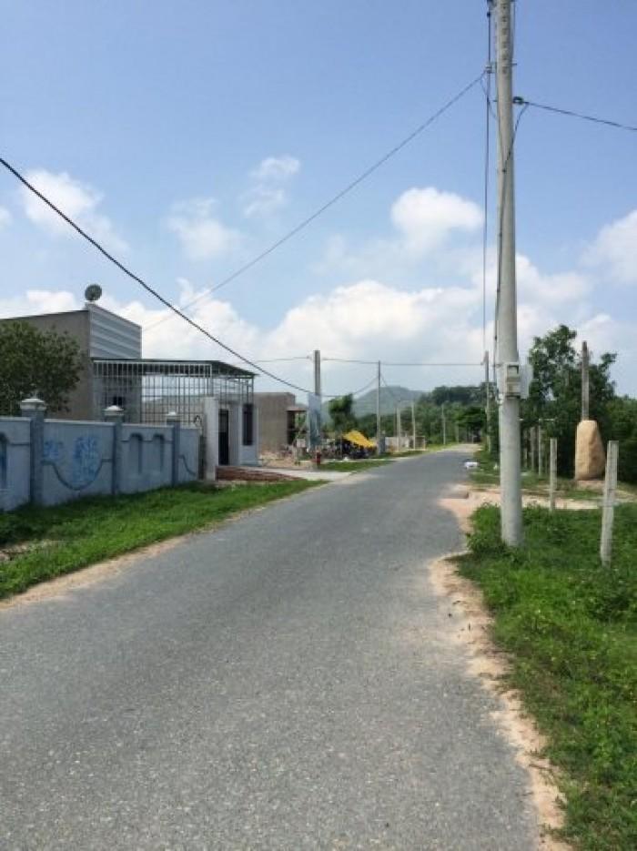 Bán đất tại An Ngãi 5x22m, sổ riêng, có 80m2 thổ cư, giá 150 triệu, bao giấy tờ.