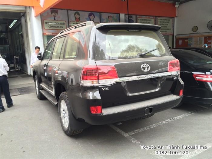 Xe Land Cuiser nhập khẩu nguyên chiếc từ Đại lý Toyota 100% vốn Nhật - Toyota An Thành Fukushima, đừng ngần ngại gọi đến hotline của chúng tôi 0982 100 120 để được tư vấn mua, đăng ký lái thử sớm nhất