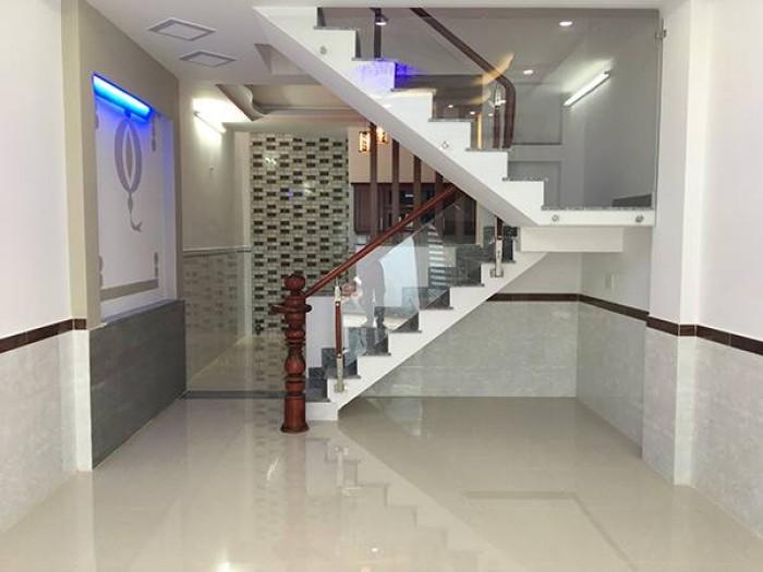 Cho thuê nhà MT  3,5 tầng, 11 phòng đường Hùng Vương. Làm spa, massage