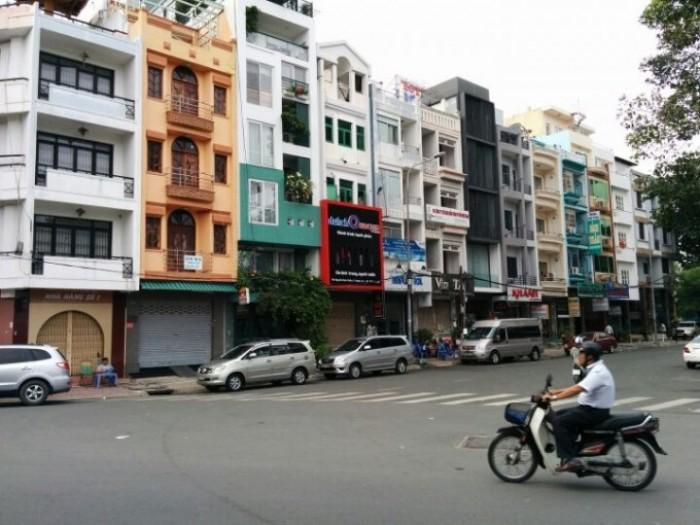Bán nhà mặt tiền đường nội bộ Phan Đang Lưu, DT 22x50. (1100m2 đất) GIÁ 90 TỶ