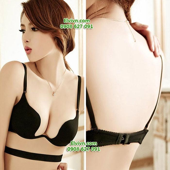 Áo ngực mặc nhiều kiểu, xẻ ngực sâu