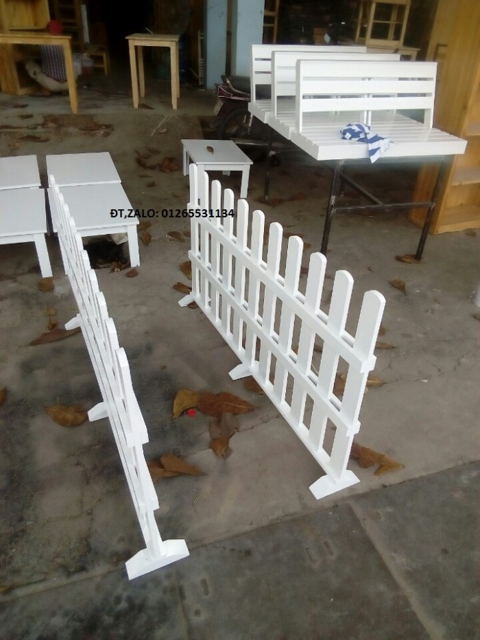 Hàng rào vách ngăn trang trí quán.1