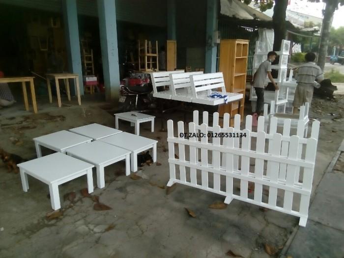 Hàng rào vách ngăn trang trí quán.2