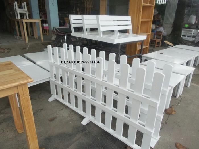 Hàng rào vách ngăn trang trí quán.3