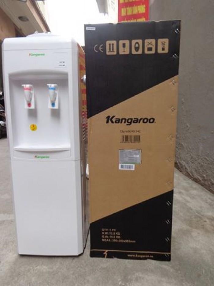 Giá sản phẩm: 2,400,000 VNĐ  -Cây nước Kangaroo KG34C là sản phẩm cây nước đang được sử dụng rộng trên thị trường ,chúng tôi tự tin là 1 trong 10 doanh nghiệp phân phối hngf chính hãng của Kangaroo, cam kết mang đến quý khách hàng sản phẩm với giá thành hợp lý ,ưu đãi nhất  -Hệ thống đun nước nóng siêu tốc với nhiệt độ nước nóng lên tới gần 98 độ C bạn có thể pha cafe, pha trà thậm chí bạn có thể úp mỳ tôm bất cứ khi nào bạn muốn. Hệ thống làm lạnh bằng lốc ga cũng nhanh không kém với nhiệt độ nước lạnh dưới 10 độ C. Chỉ cần 10 phút - sau khi khởi động hệ thống - là bạn đã có ngay 1 nguồn nước lạnh tuyệt vời cho những ngày hè oi bức  LIÊN HỆ NGAY HOTLINE :0974.836.681 (Duyên),hỗ trợ tư vấn bán hàng , để nhận giá ưu đãi hấp dẫn nhất   Công ty cổ phần thương mại và dịch vụ Vinafat  đ/c :số 2 ngách 31 ngõ 131 thái hà ,đống đa,hà nội