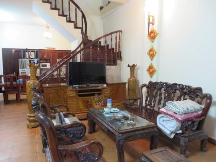 Bán nhà Víp mặt phố Kim Mã, vị trí thượng đẳng ,DT 36m x 3 tầng x 4.6m, giá bán 15.6 tỷ !