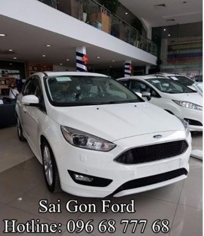 Khuyến mãi Ford Focus 1.5L Sport AT (5 cửa). Trả trước 150 triệu, giao xe ngay
