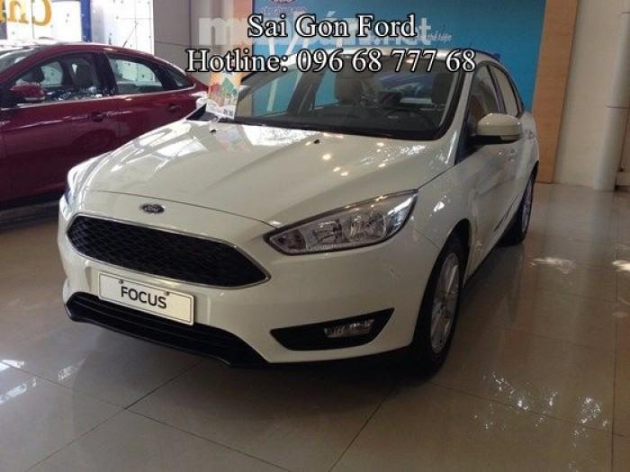 Khuyến mãi Ford Focus 1.5 Sport - Trả trước 150 triệu, giao xe ngay