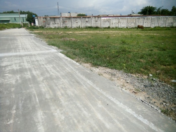 Bán lô đất xây trọ, liền kề đường DT-746 , Tân Vĩnh Hiệp, Tân Uyên, Bình Dương. 2,6tr/m2