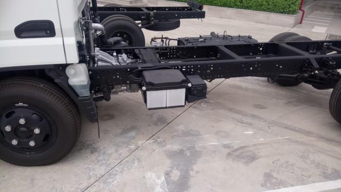 Bán xe tải fuso canter4.7 tải 1 tấn 9 thùng mui bạc, thùng kín