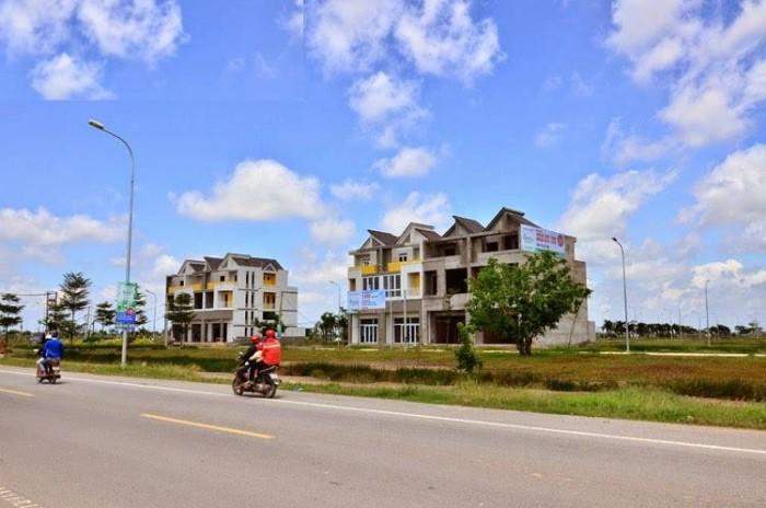 100% đất thổ cư trong khu dân cư sầm uất, trung tâm tây Sài Gòn
