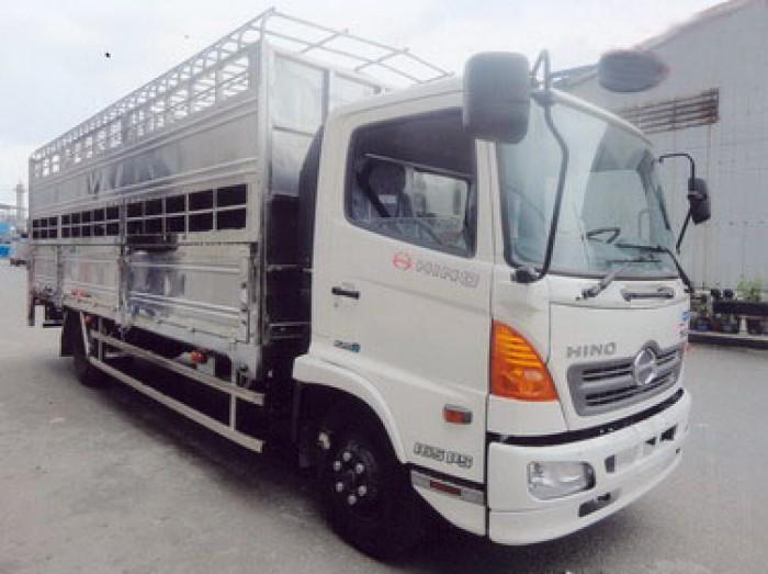 Bán xe Hino FC9JLSW 5 tấn Thùng dài 6m5 chở gia súc, chở heo, lợn
